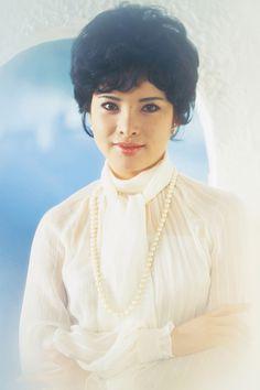 Yumi Kaoru (由美かおる) 1950-, Japanese Actress Asian Beauty, Auction, Actresses, Actors, Japanese Female, Kaoru, Showa, Classic, Artist