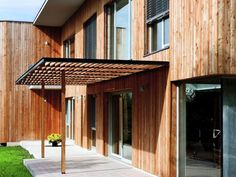 modern home front porch | Found on modernarchitecturecenter.com