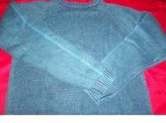 Si tienes una prenda deseñida y quieres aprovecharla, pon a hervir agua con unas hojas de laurel. Mete la prenda y verás cómo al sacarla h...