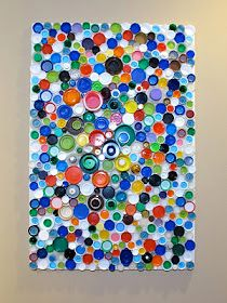 Earth Day Crafts for Kids: Start saving your bottle caps! This is an upcycle plastic bottle mosaic! Plastic Bottle Caps, Bottle Cap Art, Bottle Cap Crafts, Bottle Top, Recycle Plastic Bottles, Kids Bottle, Plastic Milk, Bottle Wall, Recycled Bottles