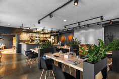 Ресторан – кафе BRUT by A-Z Architects: http://www.playmagazine.info/%d1%80%d0%b5%d1%81%d1%82%d0%be%d1%80%d0%b0%d0%bd-%d0%ba%d0%b0%d1%84%d0%b5-brut-z-architects/