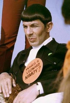 What's a Leonard Nimoy? From the awesome terrible Ballad of Bilbo Baggins music video Star Trek Spock, Star Wars, Star Trek Tos, Star Trek Original, Leonard Nimoy, Star Trek 1966, Starship Enterprise, The Way I Feel, Star Trek Universe