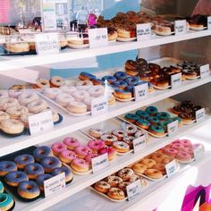 Find images and videos about food, sweet and yummy on We Heart It - the app to get lost in what you love. Cake Shop Design, Bakery Design, Bakery Decor, Bakery Cafe, Delicious Donuts, Yummy Food, Boutique Patisserie, Donut Shop, Cafe Food