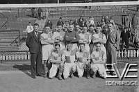 The Erith and Belvedere F C football team .<br>G Pleasant , A E Bennett , P O Hara , G Barron , G Young , R Beal , G Harmill , J Urpeth , J Soutcombe , L Scott , H Mann and  G Smee .<br>1937