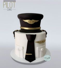 Airline Pilot/Torta Piloto Medellín - cake by Giovanna Carrillo Cupcakes Fondant, Cupcake Cakes, Police Cakes, Dad Cake, Cakes For Men, Fashion Cakes, Novelty Cakes, Cute Cakes, Creative Cakes