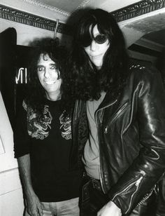Alice Cooper & Joey Ramone, NYC, 1990. This is greatest thing I have seen all day.