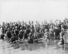 Nye Beach,Newport, OR, 1922 (Oregon Digital) State Of Oregon, Oregon Coast, Newport Oregon, Old Time Photos, Historical Pictures, Nye, Time Travel, Libraries, Maryland