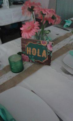 Decoração mesa dos convidados  festa aniversário