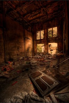 Beautiful HDR Photography - Reminds me of The Last of Us!