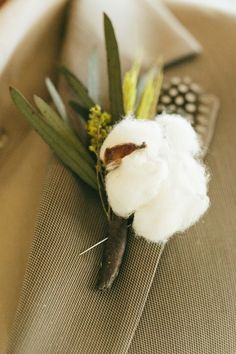 Cotton boutonniere | Romantic Country Wedding Filled With Golden Details & A Mix Of Pink Hues | Photograph by Al Gawlik Photography http://storyboardwedding.com/romantic-country-wedding-gold-details-pink-hues/
