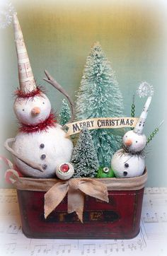 Holiday Decor Top Hat FROSTY Large Snowman in by CatandFiddlefolk