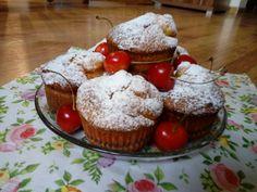 Muffinki jogurtowe z czereśniami i cukrem pudrem