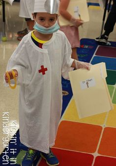 Vowel Surgery in Kindergarten- what fun! Seriously going to have to try this AWESOME idea combining dramatic play and word work!: