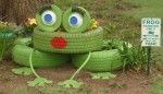 Frieda la Frog...from Two Women and a Hoe....so cute.