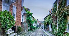 Mermaid Street Rye East Sussex England  For the ebook Walking Tour of Rye the Most Beautiful Town in England - go to http://ift.tt/2whyiaV  #aroundtheworld #worldtraveler #jonathaninbali #www.murnis.com #travelphotography #traveler #lonelyplanet #england #travelingram #travels #travelling #traveling #instatravel #asian #photo #photograph #outdoor #travelphoto #exploretocreate #createexplore #exploringtheglobe #theglobewanderer #mytinyatlas #planetdiscovery #roamtheplanet #tribegram #rye…