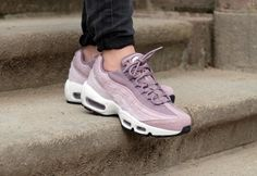 Nike WMNS Air Max 95 PRM  Purple Smoke/Summit White-Light Violet - 807443-502