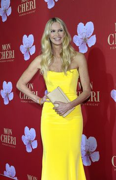 Elle MacPherson attends 'Mon Cheri Barbara Day' Charity Benefit Gala in #Munich on Dec 4, 2012