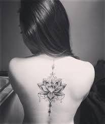 """Résultat de recherche d'images pour """"tattoo bird flower spine"""""""
