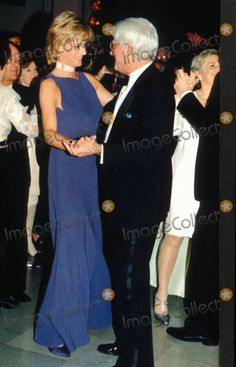 Mp-022750 Princess Diana Dance with Phil Donahue at the Field Museum of Nation History Gala 06-05-1996 Photo by Dave Chancellor-alpha-Globe Photos