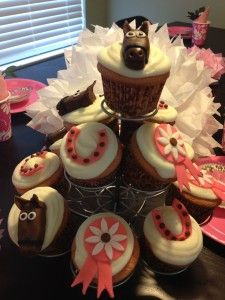 simple party planning on a tiny budget {horse party} - Not Consumed Fun Cupcakes, Cupcake Party, Cupcake Cakes, Themed Cupcakes, Cupcake Ideas, Cup Cakes, Horse Party, Cowgirl Party, Western Theme Cupcakes