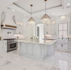 Most of the time, you'll select a white kitchen renovation if you're an individual who yearns for spotless and glossy design in your dwelling house. Fancy Kitchens, Bright Kitchens, Elegant Kitchens, Luxury Kitchens, Beautiful Kitchens, Dream Kitchens, White Kitchens, Tuscan Kitchens, Contemporary Kitchens