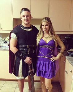 Make this Halloween a magical affair with these romantic and cute couples costumes inspired by the best Disney couples. Disney Couple Costumes, Cute Couples Costumes, Disney Couples, Costumes For Teens, Disney Diy, Couple Halloween Costumes, Halloween Town, Adult Costumes, Halloween Ideas