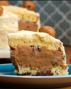 Cookie Dough Layered 'Box' Cake Recipe by Tasty Edamame, Box Cake Recipes, Dessert Recipes, Keto Recipes, Chocolate Chip Cookies, Chocolate Chips, Cupcakes Succulents, Refrigerated Cookie Dough, Cooking Tv