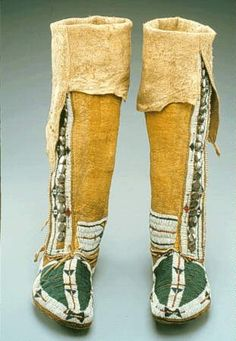 NativeTech: Native American Varieties of Moccasins - Arapaho