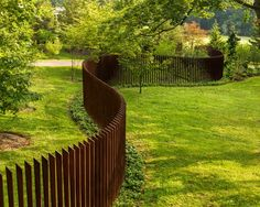 Enticing Front yard fence design ideas,Modern fence topper and Privacy fence gate. Modern Landscape Design, Modern Landscaping, Contemporary Landscape, Landscape Architecture, Modern Design, Landscaping Ideas, Contemporary Design, Yard Landscaping, Landscaping Melbourne