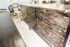 Барная стойка из массива дерева и металла. Производство мебели под заказ. Отправка в любую точку. Лофт, индастриал, прованс, рустик. Wood and steel bar. Loft, industrial, rustic, provance.
