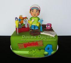 Doces Opções: O Manny Mãozinhas a reparar o bolo de aniversário ...