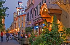 Canadian train - Canadian pacific railway - Experience charming French culture in Quebec city and Montreal on this Canadian train tour.