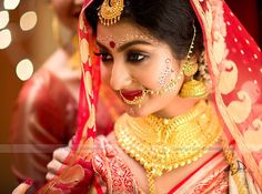 Love the bridal makeup! Not s much the lengha. Indian Bridal Outfits, Indian Bridal Makeup, Indian Bridal Wear, Bridal Beauty, Wedding Beauty, Wedding Makeup, Bridal Dresses, Bengali Bride, Bengali Wedding