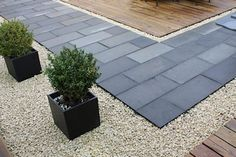 Black limestone, wit