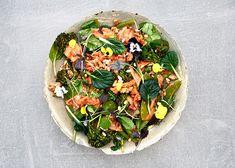 Broccolini-varsikukkakaalisalaatti, herneitä ja kimchiä - Rasilainen Aga, Kimchi