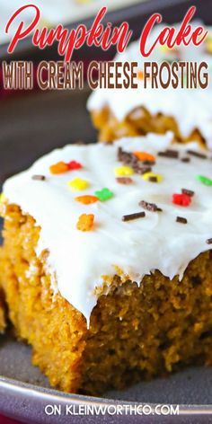 Super rich and moist, this Easy Pumpkin Cake Recipe topped with Cream Cheese Frosting is the perfect fall dessert. Positively delicious! Homemade Caramel Recipes, Delicious Desserts, Yummy Food, Yummy Treats, Holiday Desserts, Thanksgiving Desserts, Holiday Baking, Best Pumpkin Pie, Savory Pumpkin Recipes
