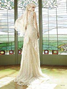 #Malasia #YolanCris #weddingdress #unusual #different #exclusive #salonvencanica #Didier #vencanice #vencanicecentar #vencaniceBeograd #bridal #fashion #bridalfashion #moda #materijal #model #bride #mlada #long #blind #veil #rose #lace #belt #weddingphotography