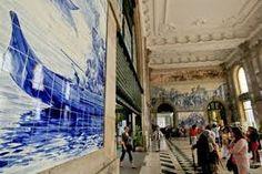 Resultado de imagem para azulejos estação Porto