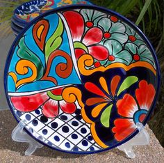 Kickin color and design Pottery Painting, Ceramic Painting, Ceramic Art, Pottery Plates, Ceramic Pottery, Mexican Paintings, Mexican Ceramics, Talavera Pottery, Paint Your Own Pottery