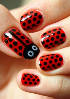 Lady bug nails! I love this design, so simple but so cute :)