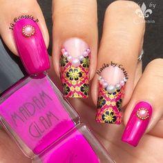 Nails by Cassis: Magenta Brocade Mani Using Marianne Nails Plate #nails #nailart #nailstamping #mariannenails