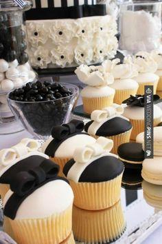 Beautiful for a black and white wedding. <3<3 ADD DIY www.customweddingprintables.com