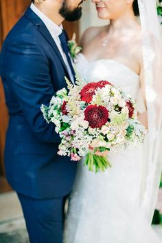 Rich reds have us failing for autumn florals! Capture the warmth and beauty of the season with stunning wedding bouquet for your Fall Wedding Bouquets, Wedding Flowers, Beautiful Farm, Greece Wedding, Bridal Portraits, Farm Wedding, Destination Wedding Photographer, Bridal Style, Elegant Wedding