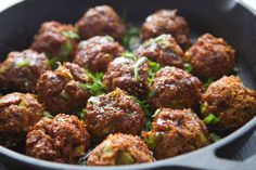 Spicy Asian chicken meatballs topped with a honey-sesame glaze. This simple, healthy recipe is incredible! Clean Eating Recipes, Diet Recipes, Healthy Eating, Cooking Recipes, Healthy Recipes, Soup Recipes, Healthy Options, Recipes Dinner, Gastronomia