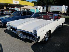 1967 Pontiac Parisienne rag top