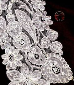 Brussels lace with droschel ground, prob first half 19th c