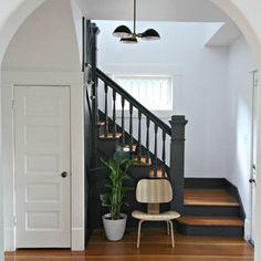 Lépcső melletti hely