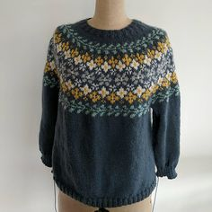 Fair Isle Pullover, Handgestrickte Pullover, Pullover Design, Sweater Design, Fair Isle Knitting Patterns, Knitting Stitches, Knitting Designs, Hand Knitting, Hand Knitted Sweaters