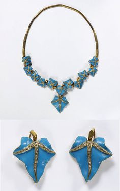 Ivy necklace and earrings, made in England, c.1845-55.