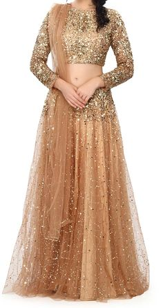 A-Line Wedding Dresses Collections Overview 36 Gorgeou… Gown Party Wear, Party Wear Indian Dresses, Pakistani Fashion Party Wear, Designer Party Wear Dresses, Pakistani Wedding Outfits, Indian Fashion Dresses, Indian Bridal Outfits, Indian Gowns Dresses, Dress Indian Style